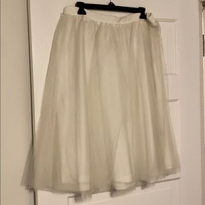 1x New with tags tulle skirt